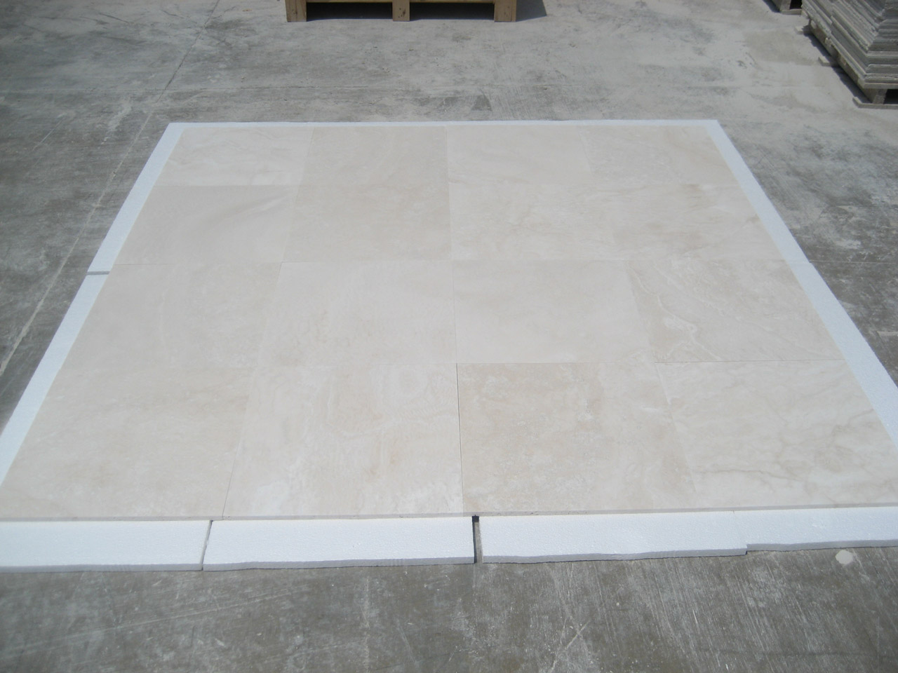 18x18 Navona Pearl F&H Travertine Premium 1