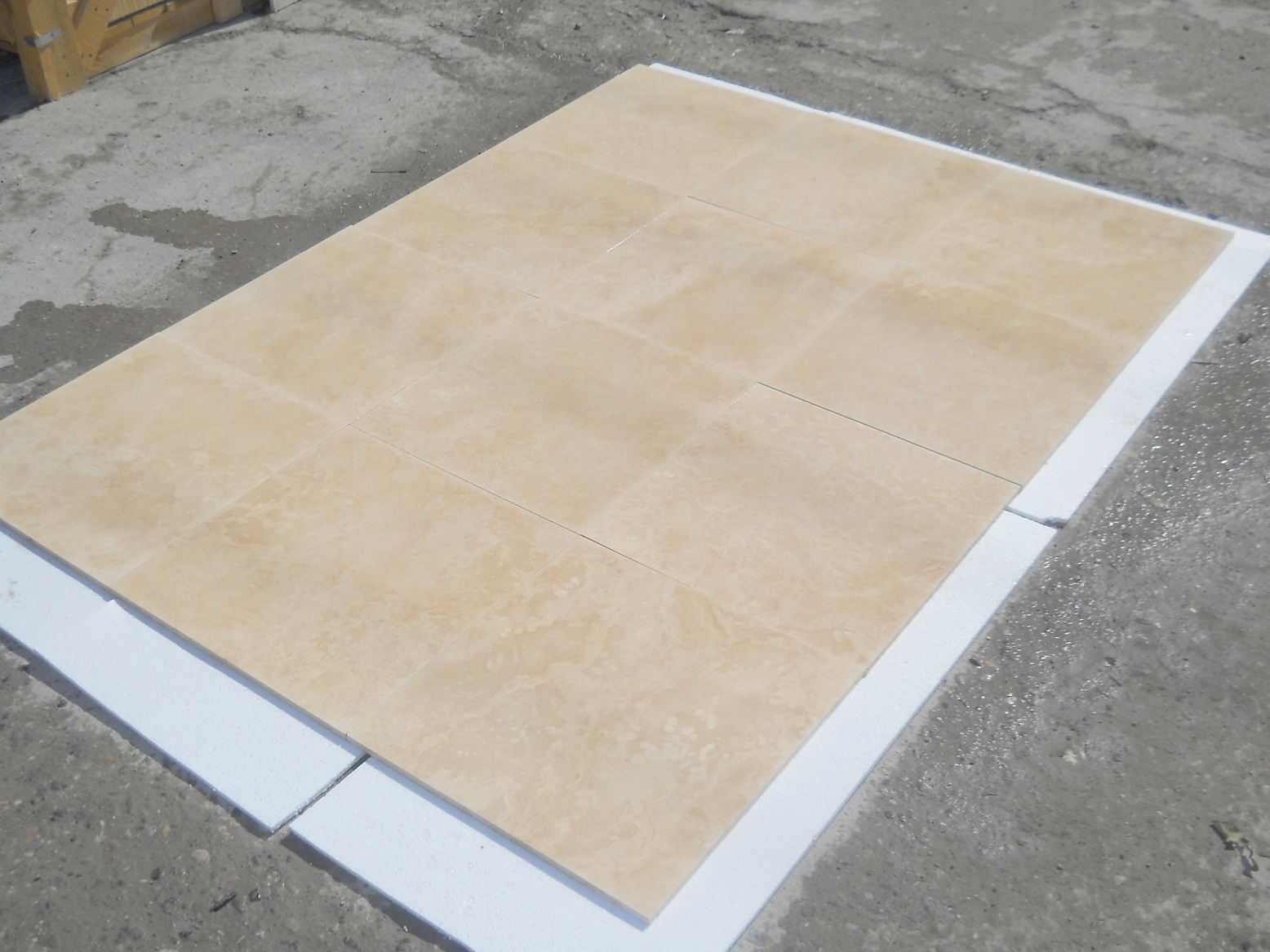 18x18 Ivory Filled&Honed Travertine Premium